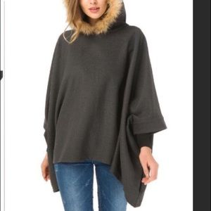 oversized Gray pullover cape with faux fur hood OS